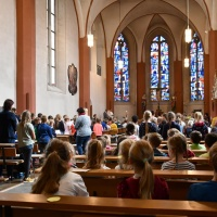 Die Liebfrauenkirche war gut gefüllt mit der Schulgemeinde. © Elisabeth Meuser