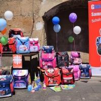 25 Kinder können sich über eine komplette Schulausrüstung für den Start ins Schulleben freuen. © Caritas Pirna