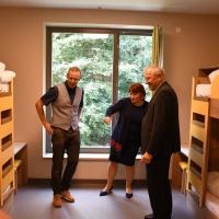 Die Betten müssen noch bezogen werden - aber dann können die ersten Gäste kommen.