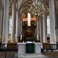 Das Kreuz über dem Trenngitter des St. Petri-Doms avancierte zum markanten Symbol der Ausstellung. © Michael Baudisch
