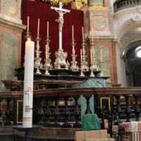 Synolalkerze am Altar der Dresdner Kathedrale © Andreas Golinski