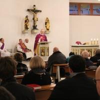 Mit einem gemeinsamen Gottesdienst in der Coswiger Kirche Heilig Kreuz begann der Abend. © Andreas Golinski