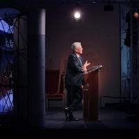 Entspannter und zugleich fesselnder Redner: Altbundespräsident Gauck. © Amac Garbe