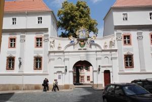 Das eindrucksvolle Portal des Domstifts in Bautzen. © Foto: Michael Baudisch