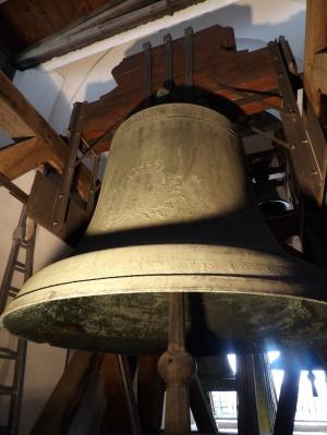 """Große Glocke """"Göttliche Vorsehung"""" © Felix Löwe, Bistum Dresden-Meißen"""